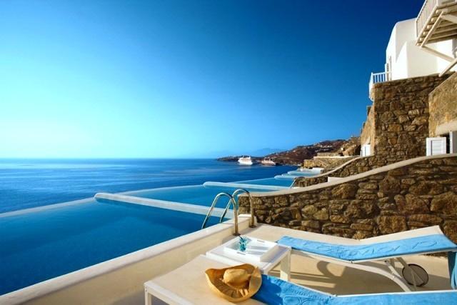 Luxe wellness hotel met zwembad aan zee in Griekenland