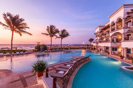 Mooi hotel in Mexico met groot zwembad