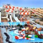 Het gloednieuwe waterpark met snelle glijbanen en mooie zwembaden in Egypte