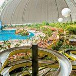 Het fantastische hotel in Duitsland met waterpark vol glijbanen en zwembaden