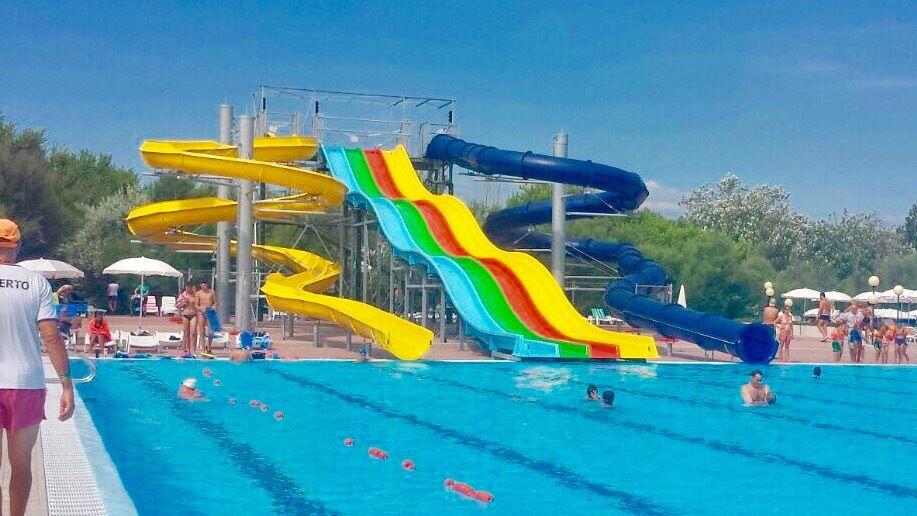 Camping Italië Met Groot Zwembad Zwembadvakanties