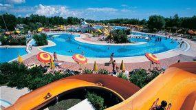 Grote zwembaden op de camping in Veneto