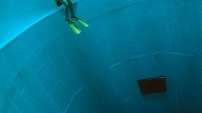 Diepste zwembad van de wereld!