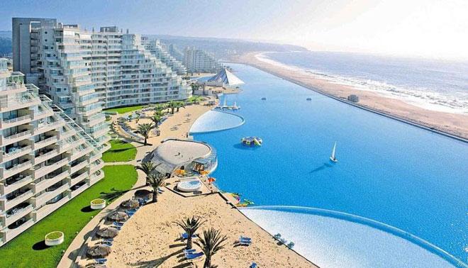 Grootste zwembad ter wereld bij prachtig hotel in Chili