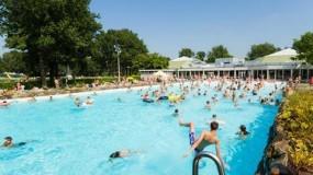 Vakantiepark van Roompot met groot subtropisch zwembad