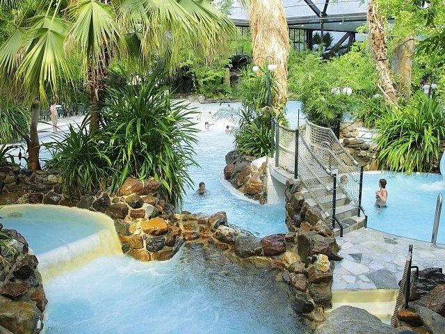 Mooie Zwembaden Nederland : Vakantiepark in nederland met subtropisch zwembad zwembadvakanties