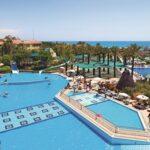 Enorme zwembaden bij mooi hotel in Turkije