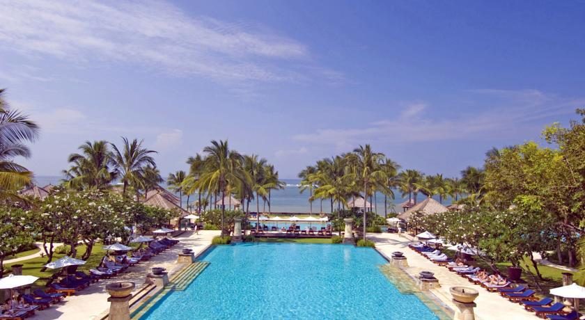 Luxe hotel in Bali met zwembaden