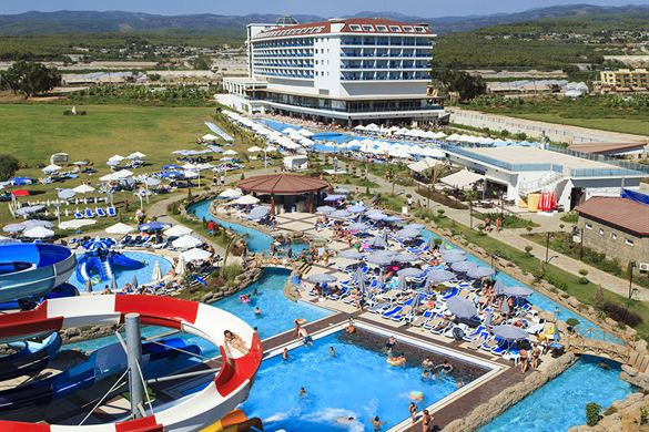 Hotel in Turkije met talloze zwembaden en glijbanen
