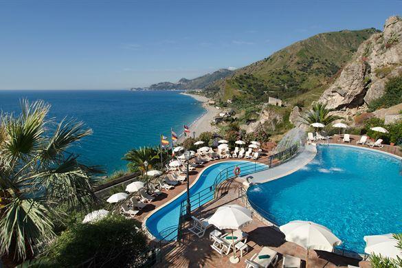 Unieke zwembaden & spa bij dit prachtige hotel op Sicillië
