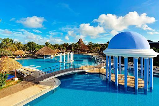 Luxe hotel in Cuba met zwembaden