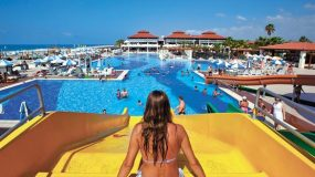 Vele zwembaden en glijbanen bij prachtig hotel in Turkije