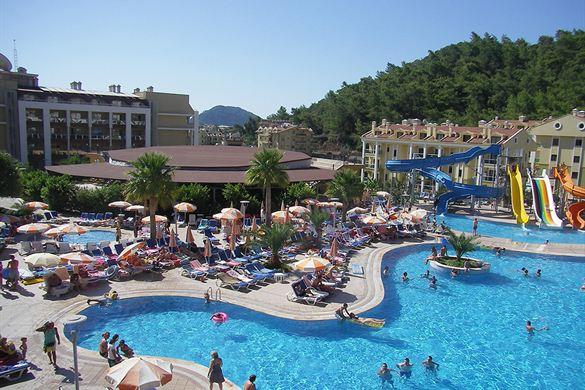 Resort met mooi zwembad in Turkije