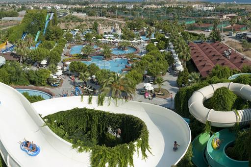 Groot aquapark bij hotel in Turkije