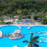 Zonnig vakantiegevoel in de zwembaden van Cuba