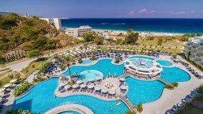 Grote buitenzwembaden en je eigen privé bad in Rhodos