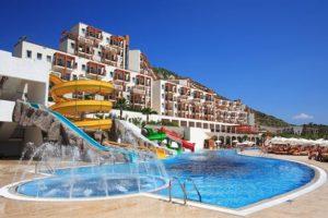 Hotel met grote zwembaden in Turkije