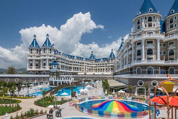 Zwembadparadijs voor kids bij hotel in Turkije