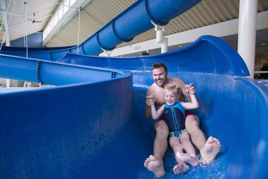 Vakantie met subtropisch zwembad in Nederland