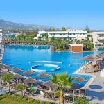 Mooi hotel op het griekse eiland Kos met groot zwembad