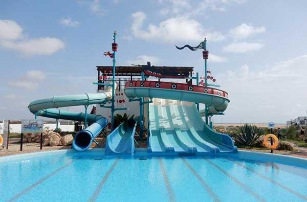 Hotel met groot zwembad in Kaapverdië