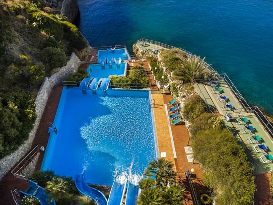 Mooie Zwembaden Nederland : Leuk hotel italië met zwembaden zwembadvakanties