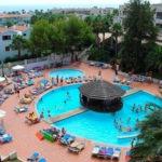 Heerlijk zwembad op bruisende locatie in Salou