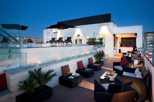 Hotel in Rome met zwembad op dakterras