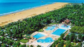 Mooie camping aan de zonnige kust van Italië
