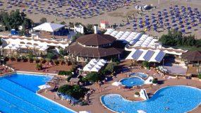 Mooi Italiaans vakantiedorp met 3 heerlijke zwembaden