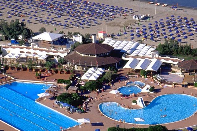 Mooi vakantiepark in Italië met 3 grote zwembaden én bij strand