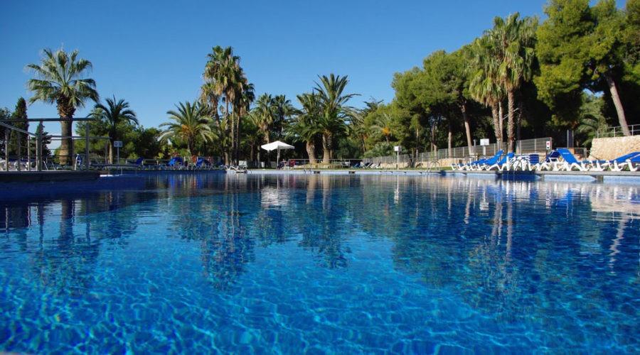 Camping in Spanje met veel zwembaden, dichtbij Barcelona