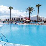 Veelzijdig hotel op Lanzarote met veel zwembaden