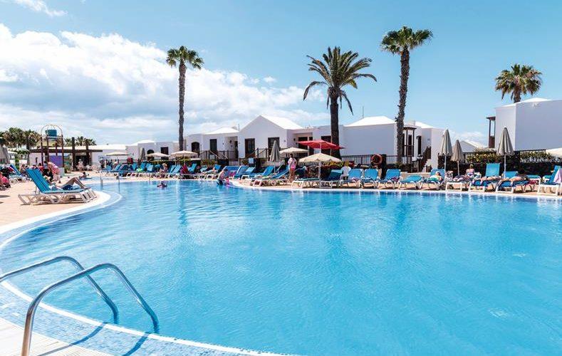 Hotel op Lanzarote met veel zwembaden