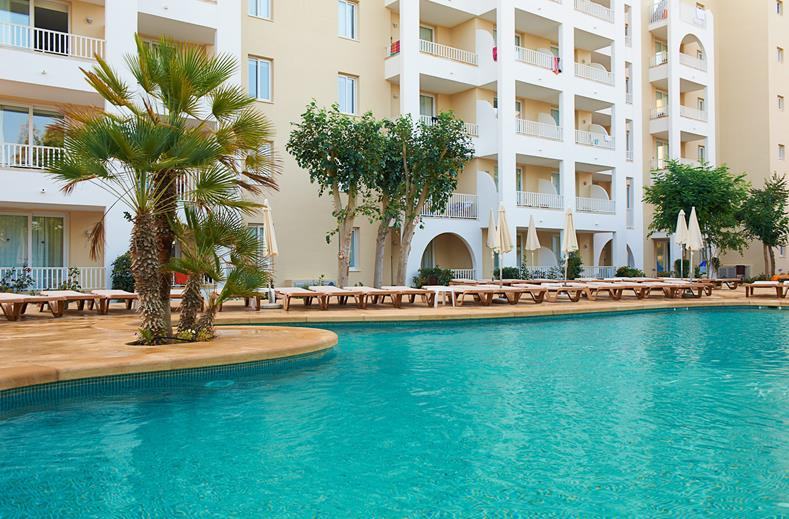 Grote zwembaden, resort Mallorca