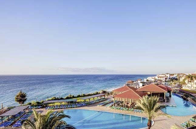 Hotel op Fuerteventura met 7 prachtige zwembaden en uitzicht op zee!