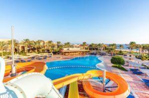 Zwemparadijs bij hotel Egypte en aan het strand