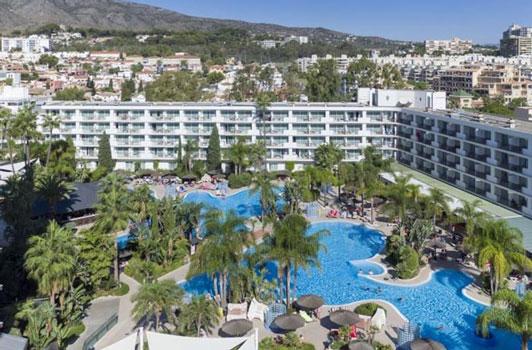 Hotel met mooie zwembaden in het Spaanse Torremolinos