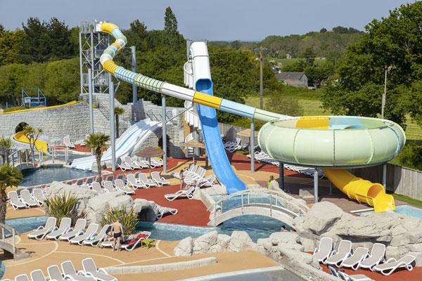 Genieten van veelzijdig Frans vakantiepark met groot aquapark en golfslagbad