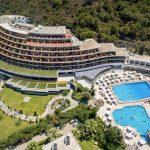 Luxe hotel op het zonnige Rhodos met prachtige zwembaden