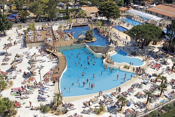 Camping Les Landes met groot zwembad