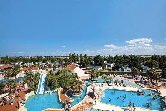 Ideale vakantiebestemming aan de Franse kust met groot zwembad