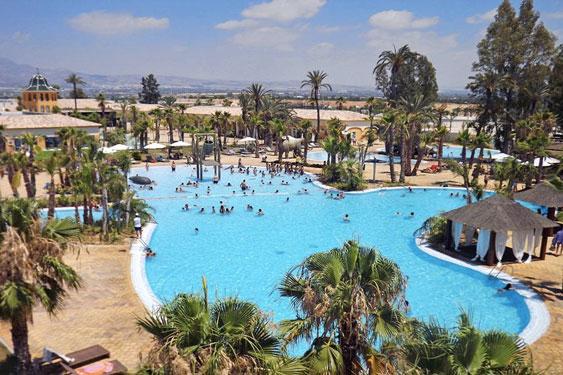 Luxe camping in Spanje met groot aquapark