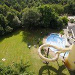 Vakantiepark met subtropisch zwemparadijs in de Limburgse bossen