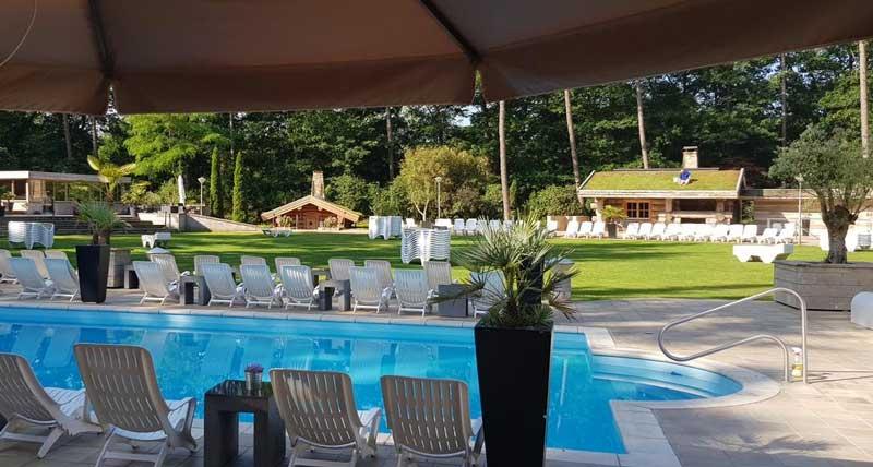 Openluchtzwembad bij hotel in Overijssel