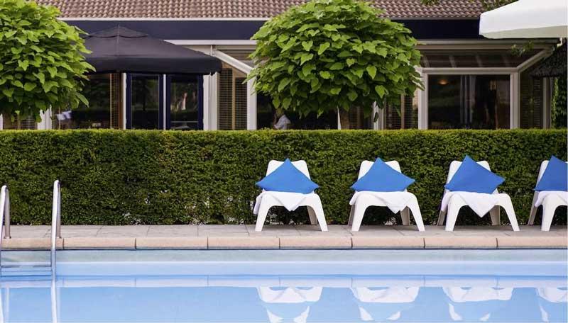 Modern hotel in Breda met buitenzwembad