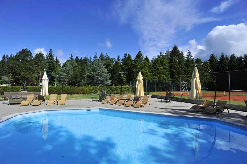 Hotels met buitenzwembad in Nederland, dit zwembad is te vinden in Gelderland, Hoenderloo.