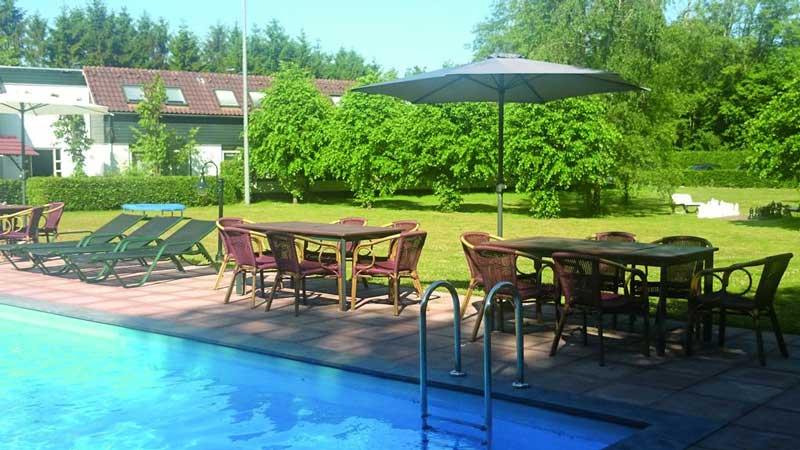 Hotel met buitenzwembad op de Veluwe
