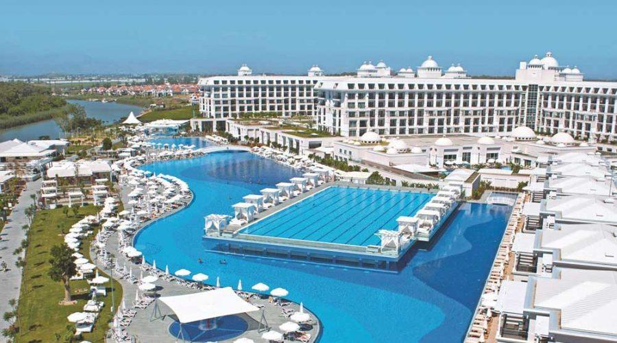 Zwembadparijs in Turkije, Titanic Deluxe
