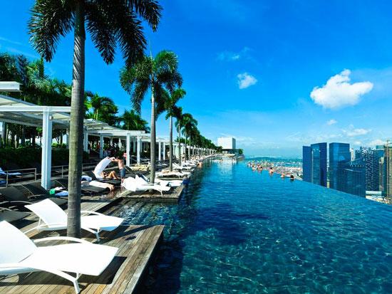 Grootste overloopzwembad ter wereld in Singapore